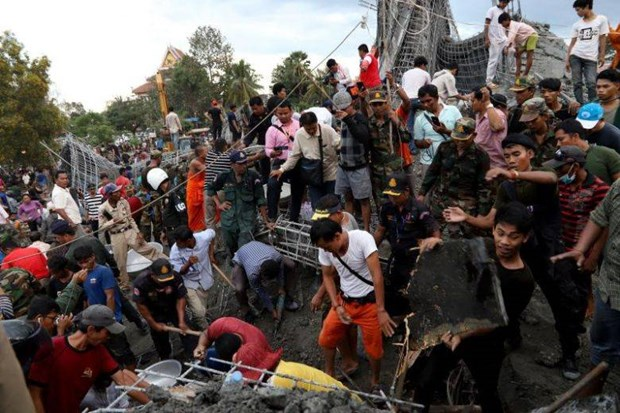 Cambodia supports victims of pagoda's dining hall collapse hinh anh 1