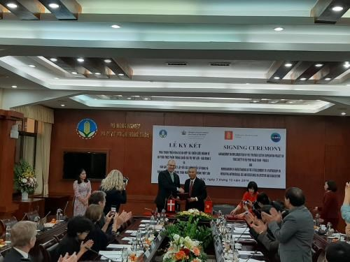 Denmark supports Vietnam in managing food safety hinh anh 1