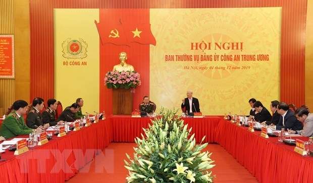 Party leader, President hails outstanding performance of public security force hinh anh 1