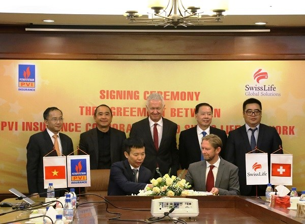 PVI, Swiss Life Network sign comprehensive cooperation agreement hinh anh 1