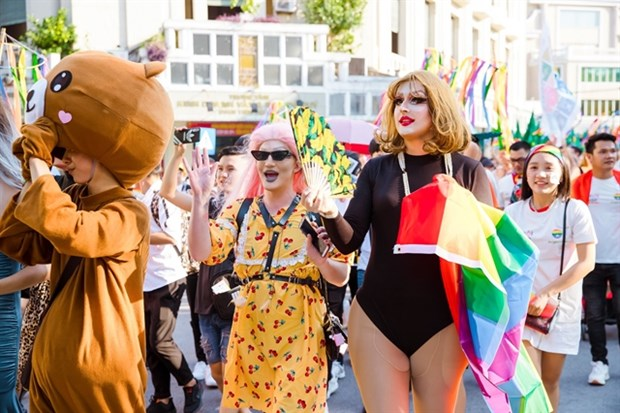 Legal limbo pushes transgender people to unsafe medical services hinh anh 1
