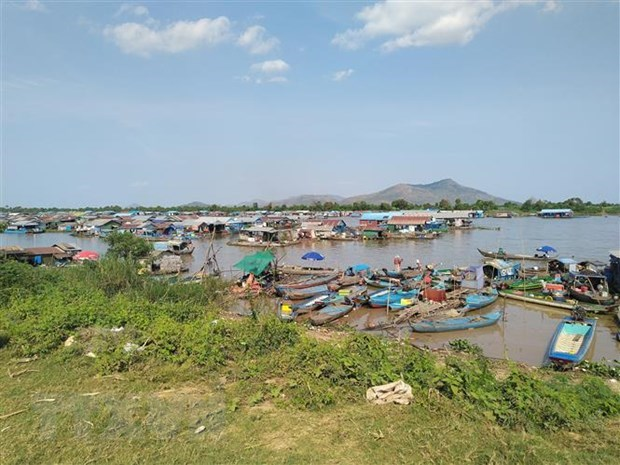 Vietnam assists relocated Vietnamese Cambodians at Tonle Sap: spokesperson hinh anh 1