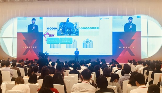 'Customer experiences' key to survival in digital age hinh anh 1