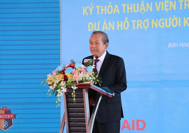 Dioxin remediation project kicked off at Bien Hoa Airbase hinh anh 1