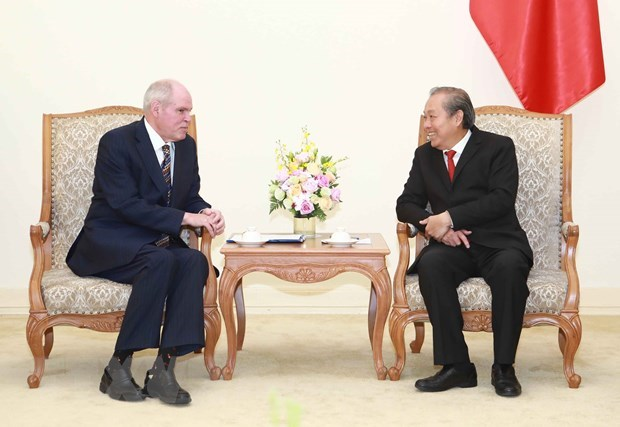 Deputy PM asks OECD to share experience in fighting corruption hinh anh 1