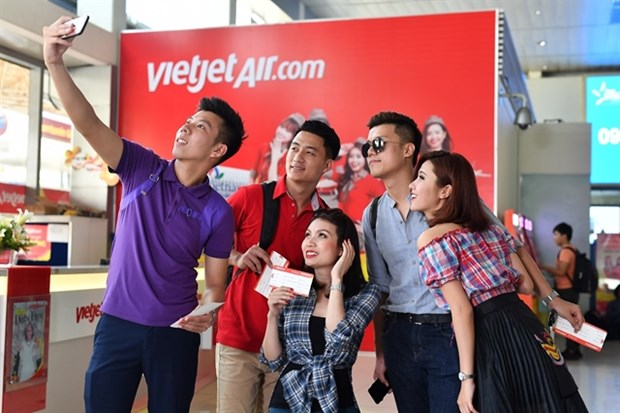 Vietjet offers promotional tickets to celebrate new routes hinh anh 1