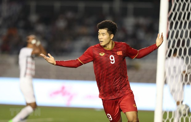 SEA Games 30: Vietnam advance to football final hinh anh 1