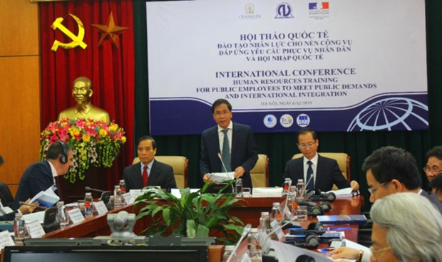 Int'l confab on human resources training for integration hinh anh 1
