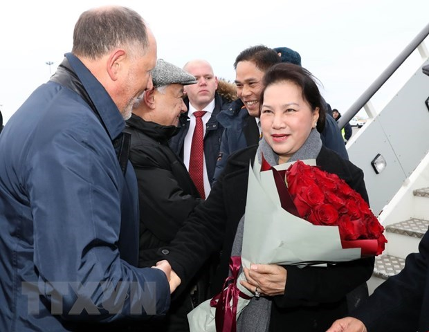 NA Chairwoman arrives in Kazan, begining Russia visit hinh anh 1