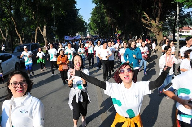 People run to donate for disadvantaged children hinh anh 1