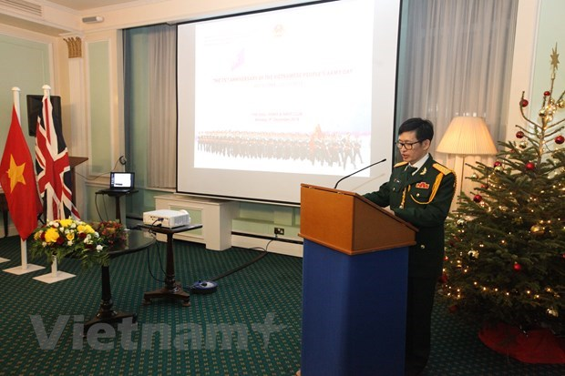 Founding anniversary of Vietnam People's Army held in UK hinh anh 1