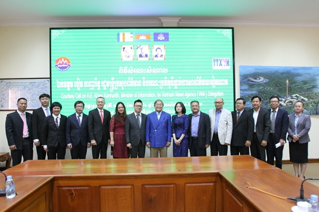 Vietnamese, Cambodian news agencies look to boost ties hinh anh 1