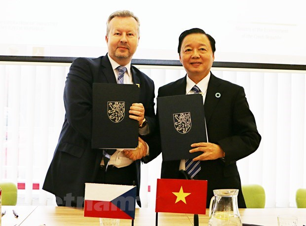 Vietnam, Czech Republic step up environmental cooperation hinh anh 1