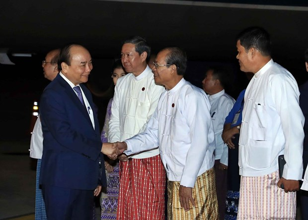 Prime Minister begins official visit to Myanmar hinh anh 1