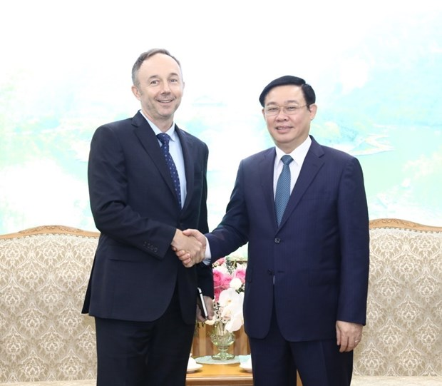 Government pledges to facilitate Nike's long-term operation in Vietnam hinh anh 1