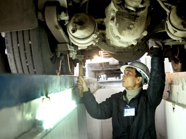 New emission standards to come into force next year hinh anh 1
