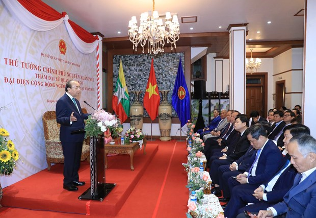 PM asks embassy to boost economic diplomacy in Myanmar hinh anh 1