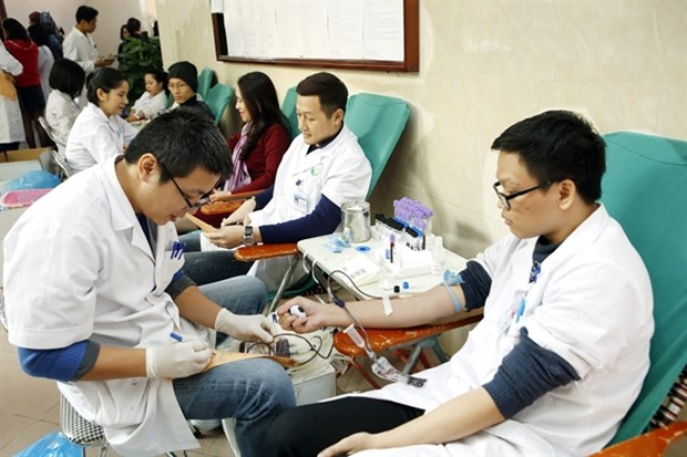 Red Sunday expected to collect 50,000 blood units hinh anh 1