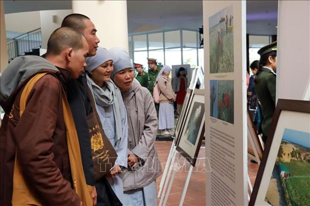 Exhibition on achievements in human rights promotion opens in Lam Dong hinh anh 1