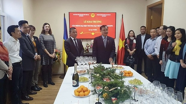 Vietnam Trade Representative Office opens in Ukraine hinh anh 1