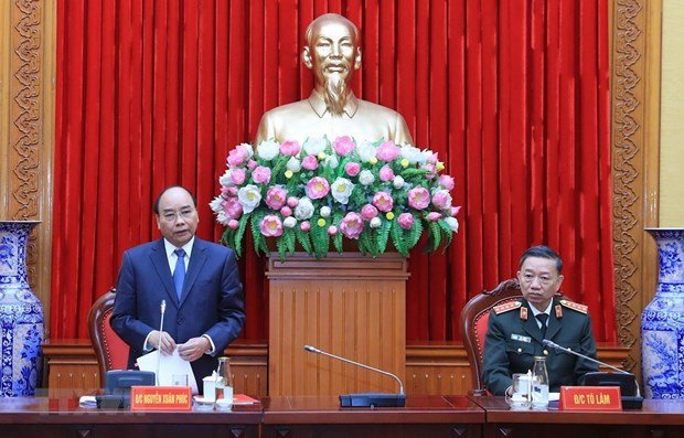 Public security forces play crucial roles in various fields: PM hinh anh 1