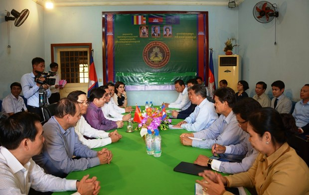 Vietnam, Cambodia seek to reduce congestion at border gate hinh anh 1