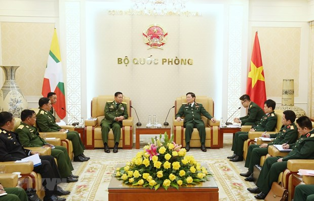 Myanmar Commander-in-Chief of Defence Services visits Vietnam hinh anh 1