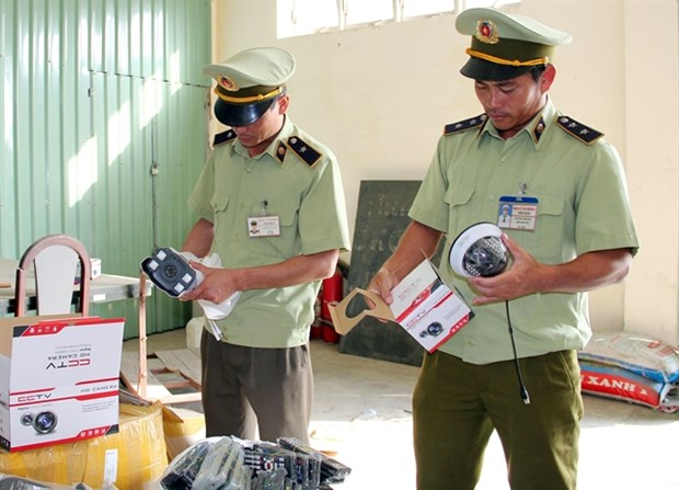 Stricter punishments needed to prevent counterfeiting hinh anh 1