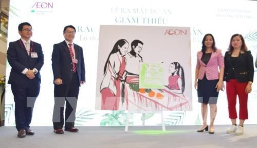 Hanoi, AEON join hands to cut out single-use plastic from supermarkets hinh anh 1