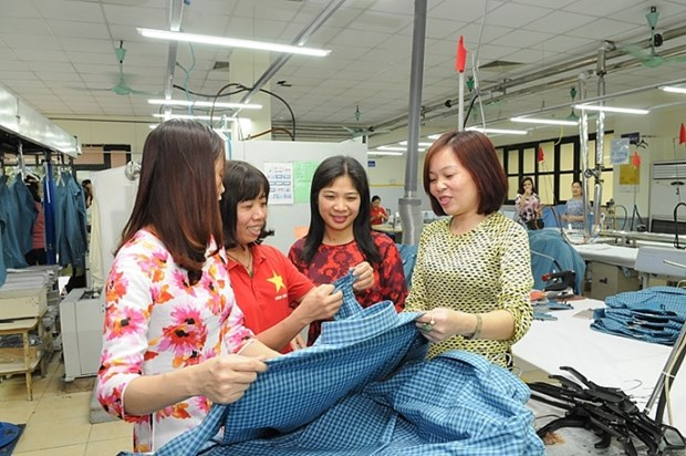 Bac Ninh plans various activities for workers to celebrate Tet hinh anh 1