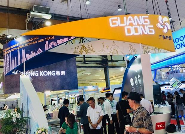 Vietnam – China relations thriving: Vietnamese diplomat hinh anh 1