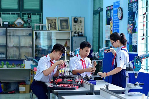 "HCM City strives for ""smart"" schools hinh anh 1"