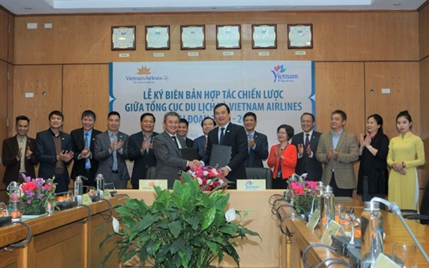 Vietnam Airlines commits to promote tourism hinh anh 1