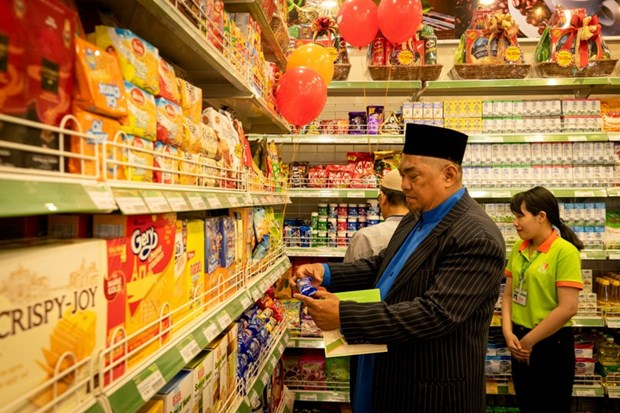 First certified Halal convenience store opens in HCM City hinh anh 1