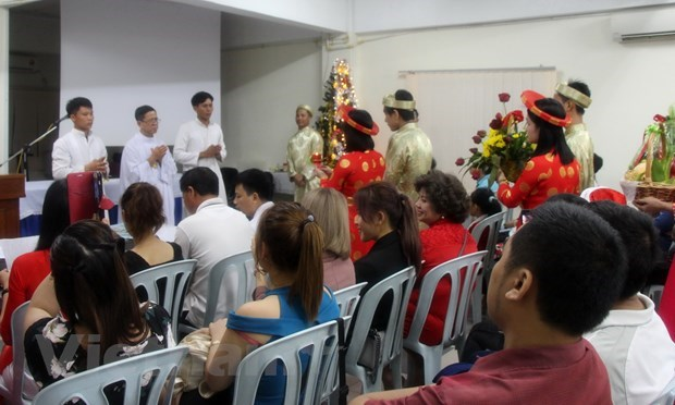 Vietnamese Christians in Malaysia celebrate Christmas hinh anh 1