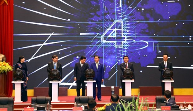 International-standard GPS stations launched in Vietnam hinh anh 1