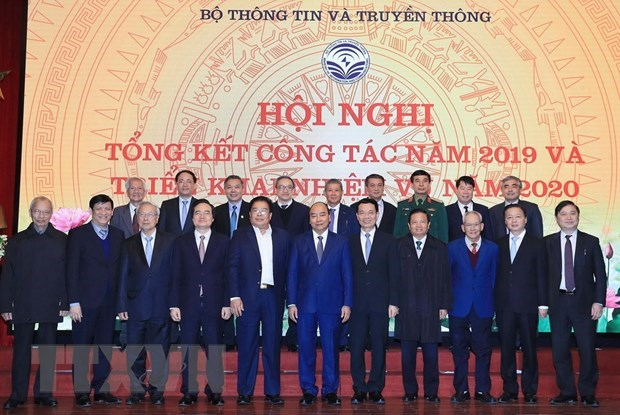 PM lauds information-communications sector's achievements hinh anh 1