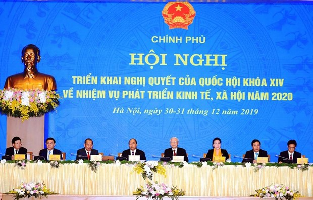 PM Phuc chairs teleconference for 2020 tasks hinh anh 1