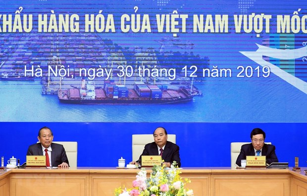 PM attends ceremony marking 500 billion USD in import-export hinh anh 1