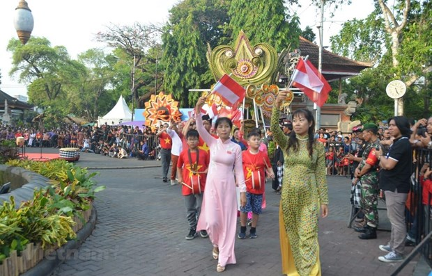 Vietnam promotes tourism at Indonesia's festival hinh anh 1