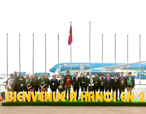 Hanoi welcomes first foreign tourist in 2020 hinh anh 1