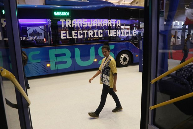 Jakarta to launch electric bus service in January hinh anh 1