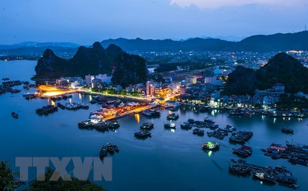 Unofficial fees in Quang Ninh province decline: survey hinh anh 1