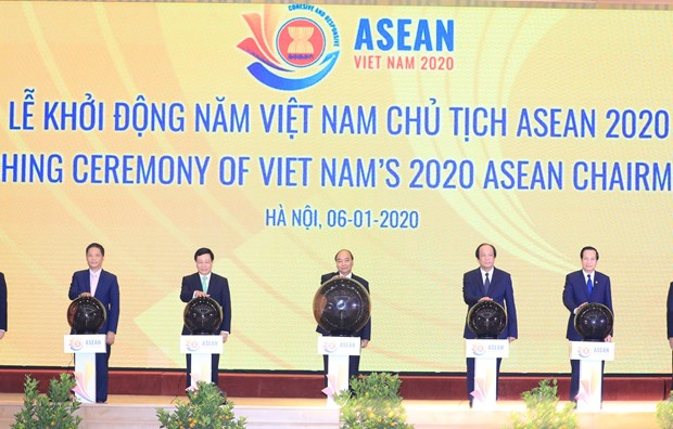 PM launches Vietnam's 2020 ASEAN Chairmanship hinh anh 1