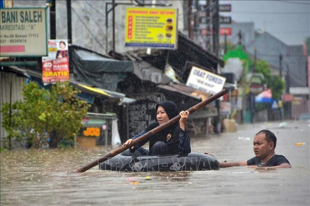 Vietnam sends sympathies to Indonesia over floods hinh anh 1