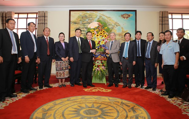 Thua Thien-Hue, Lao province review cooperation hinh anh 1