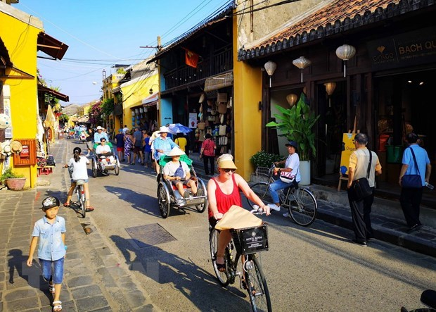 Indian tourists to Vietnam increase hinh anh 1