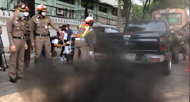 Thailand to fine vehicles with black smoke hinh anh 1
