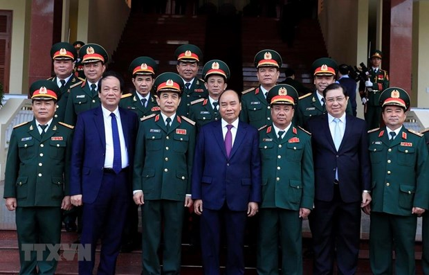 PM applauds Military Region 5's performance hinh anh 1