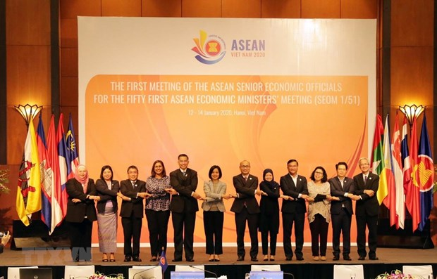 Prioritised orientations in ASEAN economic pillar in 2020 unveiled hinh anh 1